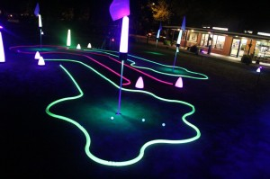 Glow golf mini golf hole