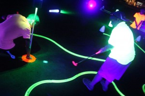 glow in the dark golf putting