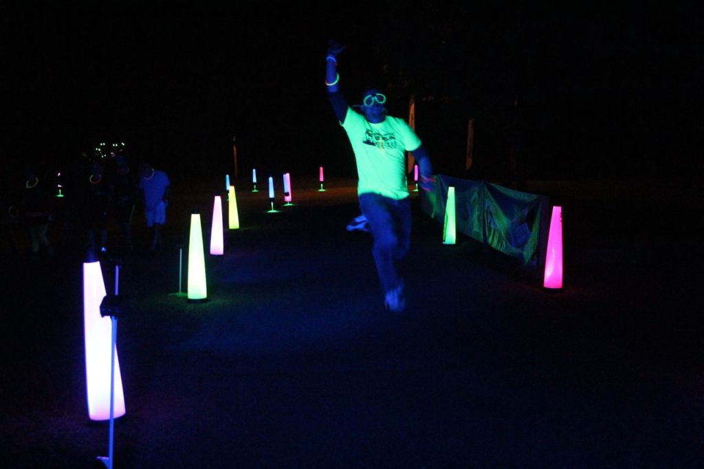 glow runner at neon night run
