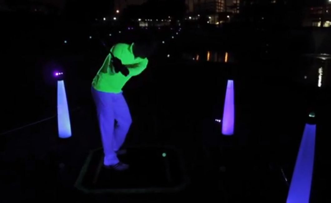 Night golf hitting